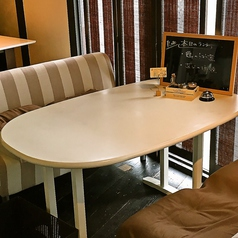 【4名様のソファ席】ももの木はソファ席を2つご用意致しております♪どちらも人気席となっておりますので、お早めにご予約下さい★