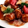 料理メニュー写真〈豚肉〉絶品!やわらかヒレ肉のRISE酢豚/とっても香り良い鎮江黒酢の酢豚