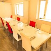 個室は3部屋各8人収容可能で連結可能です