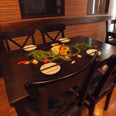 2名様~4名様までご利用頂けるテーブル席は、可動式なのでご宴会に合わせてセッティングが可能です♪