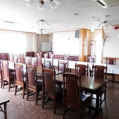 30名様以上でも可能な多目的個室です。ご宴会、ご会食、法事等にご利用ください。※カラオケの設備もございます。