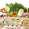 こだわりのお肉、国産野菜、つみれ、おつまみ、お鍋のお楽しみ、〆もの、デザートなど約60種が食べ放題♪