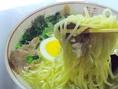 50年以上も継ぎ足されているスープは必見。クセになる味わいです。