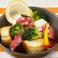 料理メニュー写真タコとブロッコリーとクルトンのオーブン焼き