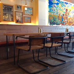最大20名様まで座れるソファ席は会社の宴会や2次会、各種パーティで使い勝手抜群!