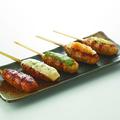 料理メニュー写真つくね 【タレ/塩ワサビ/おろしポン酢/チーズ/バジルソース】