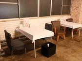 組み合わせ自由自在な各種テーブル席