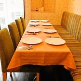 テーブルを結合して、合コンや会社の少人数宴会にもお勧め