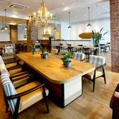≪矢場町駅徒歩5分≫人気のソファ席★クラシックハワイアンをイメージした店内!開放的な店内で年齢問わずくつろいで頂ける空間となっています