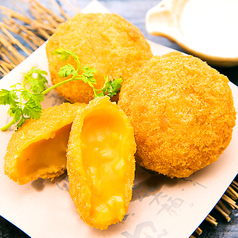 料理メニュー写真雲丹のクリームコロッケ