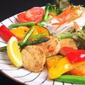 料理メニュー写真貝柱バター焼きアスパラ添え(サラダ付き)