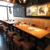 広々としたテーブル席は解放感抜群◎どんなシーンにもお使いしやすいお席です。