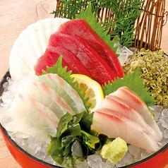 料理メニュー写真本日の鮮魚入り刺身3種盛り