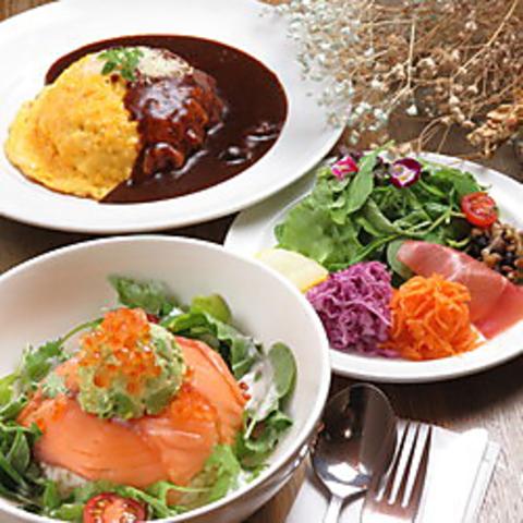 【プチディナーコース】選べるメイン(パスタ等全15種)サラダ+スープ+ドリンク+デザート付