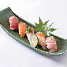 料理メニュー写真本日の鮮魚にぎり5種