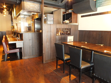 やきとりdeワイン酒場 Hirukaraの雰囲気1