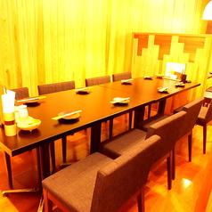 会社宴会や打ち上げ、合コンなどにもオススメの8名様までご利用いただけるテーブル個室をご用意しております!木の温もりとお祭り気分を楽しめる店内は、いつでも気軽に立ち寄りやすいカジュアルな雰囲気が魅力です☆