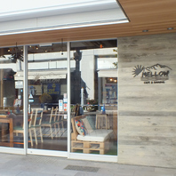 JR伊丹駅徒歩1分!伊丹酒蔵通りに面するお店です!