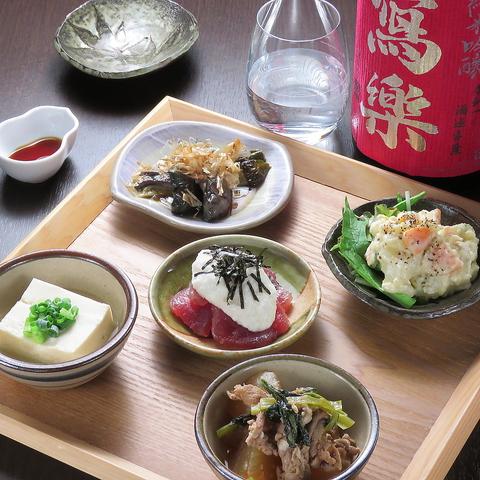 ■旬の食材を使用した創作料理と豊富な日本酒をお愉しみ下さい。