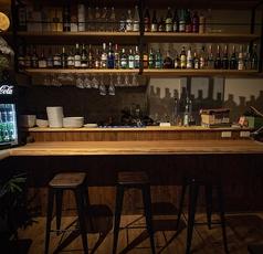 カウンター席はゆっくりお酒を楽しみたい方におすすめです。上質なお酒をこころゆくまでお楽しみ下さい。