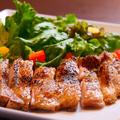 料理メニュー写真鶏の岩塩焼き