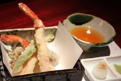料理メニュー写真オホーツク産ずわい蟹の天麩羅