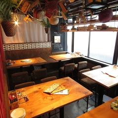 テーブル席は半個室空間となっているため、4席お使い頂き、宴会などにも最適です◎