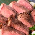 料理メニュー写真牛イチボ肉のロゼステーキ