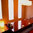 完全個室の席は落ち着いた雰囲気。接待や会社の上司などとのご宴会でも間違いなしの空間になっております。