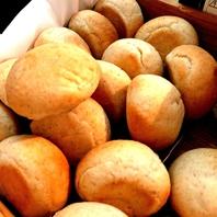 自家製のパンが食べ放題★
