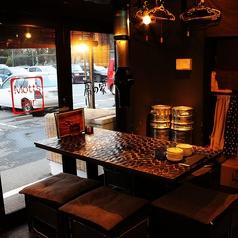 外を眺めながら、ゆっくりとお酒とお食事をお楽しみください♪