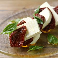 クリームチーズのマリネ 香草オイルとセミドライトマト漬け