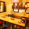 浅草橋店では、串カツ田中全店で唯一1階と2階に分かれております。2階席は全15席で10名様以上のご利用で個室としてお使い頂くことが出来ます♪ 仲間内でのお集まりや、会社の飲み会など、プライベート空間を楽しみたい時にぜひご利用下さい★