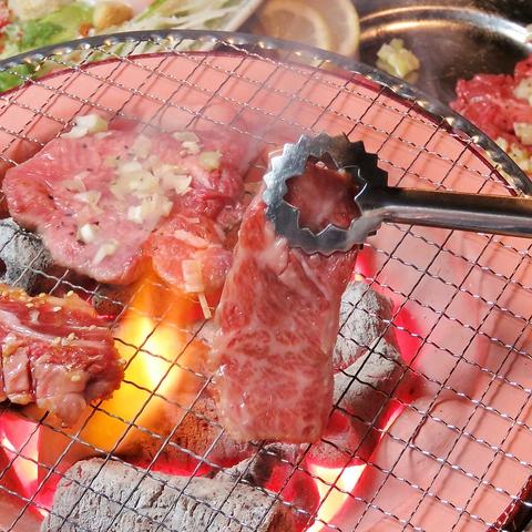 心温まる炭火焼居酒家つぼみ!!焼肉がリーズナブルな値段で楽しめます♪