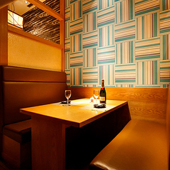 和モダンのデザインは落ち着きある印象で、デートや記念日、ビジネスシーンにもお役立ちします。お席のみのご予約も承っておりますのでお気軽にお問い合わせください。