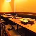 【テーブル】8名様。広々店内に並ぶテーブル席は人数・用途に合わせて席・空間を変えられるので、デート・合コン・接待・同窓会・女子会などいろいろなシーンでご利用頂けます♪。お客様のご利用シーンに合わせて味も、満腹さも大満足なコースを多数ご用意しております。合わせてご利用下さい☆【西葛西 個室 飲み放題】