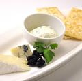 料理メニュー写真3種のチーズ