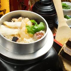 料理メニュー写真海鮮の釜飯