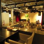 テーブル席★フロア全体を見渡せる人気のお席!2Fからの雰囲気は別格な時間をお過ごしいただけます。