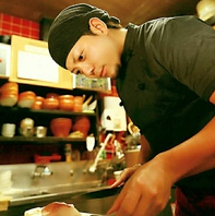 料理人だけで仕立てるからこそ安心・安全の料理