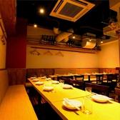肉バル 麺ダイニング ユマ YUMA 新橋本店の雰囲気3