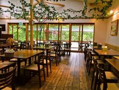 農家レストラン ぶどう畑の雰囲気1