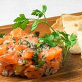 料理メニュー写真サーモンとオレンジのタルタル