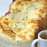 とろ~りとろける♪絶品☆石窯焼きチーズトースト◎