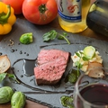 料理メニュー写真特撰牛のロースト~赤ワインのソース~