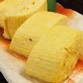 料理メニュー写真厳選された卵黄から仕上げる京風ふわふわ出し巻きは絶品でっせ~