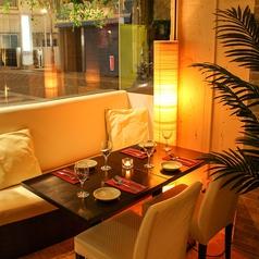 デートや気軽な飲みにおススメのテーブル席。
