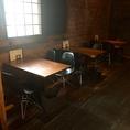 1F:4人掛け×3テーブル。レイアウトを変えて15名様までの宴会利用も可能です★