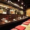 キッチンが見えるカウンター席は食欲がそそられます☆お鍋は1人前から注文可能ですので、冬のサク飲みも大歓迎◎昔の日本家屋を思わせるなんとも落ち着く店内。旬の食材を使用した自慢のお料理と豊富な種類のドリンクが自慢。ご宴会の下見も大歓迎!駅近で便利な【わん 荻窪店】♪