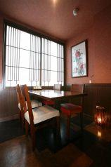 2階レストラン・窓際で個室風・人気の席
